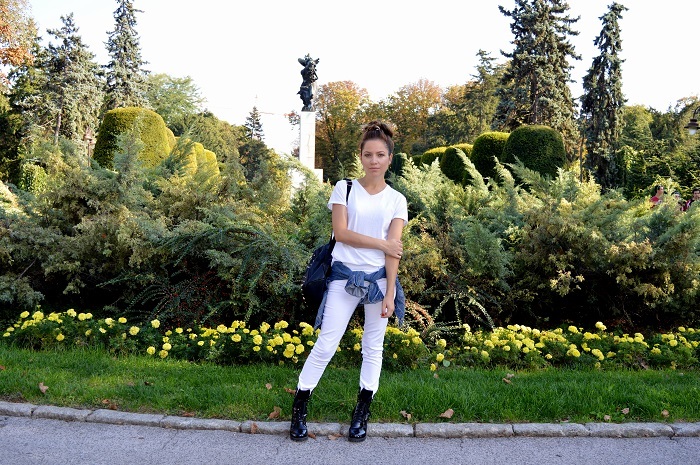 outfit, white t-shirt, all white look, white jeans, white jeggings, black combat boots, denim jacket