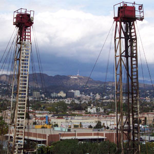 California Senators opposing fracking moratorium received 14x more money from Big Oil