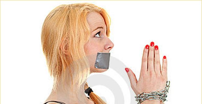 Deben las mujeres callar en la Iglesia