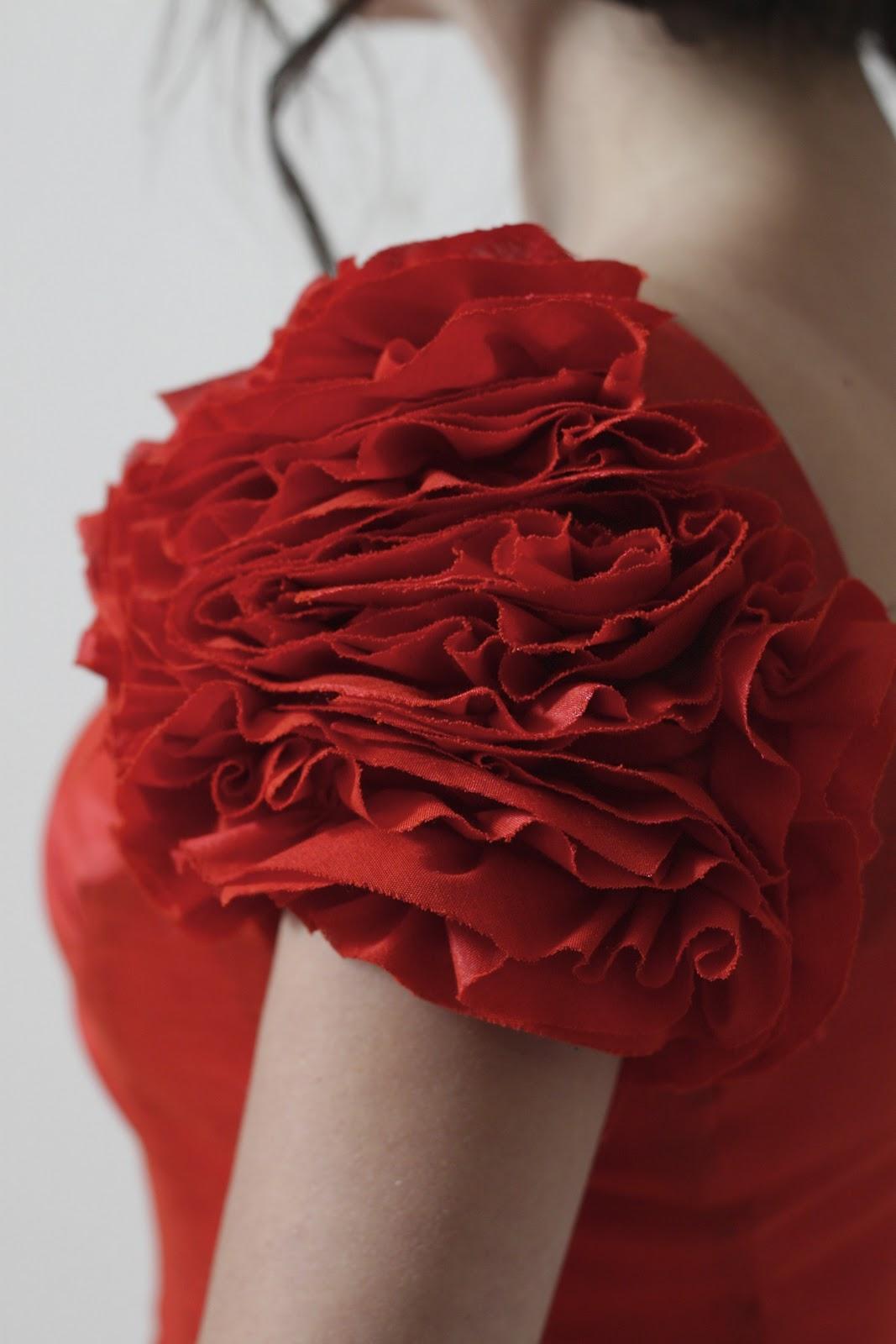 Наряды своими руками розы