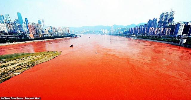 Yangtze turns scarlet