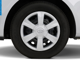 Hyundai accent car 2010 tyres/wheel - صور اطارات سيارة هيونداى اكسنت 2010