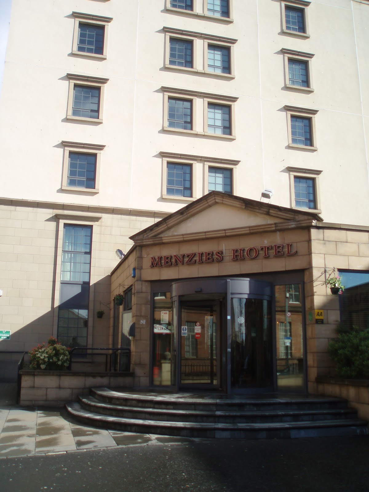 Menzies Hotel Glasgow Is Part Of A Unique Portfolio 15 Individual Uk Hotels This 4 Star Offers Modern And Furnished Accommodation For Both