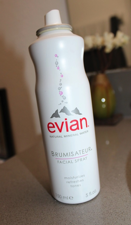 how to use evian facial spray