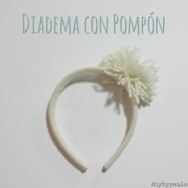 Diadema con pompon