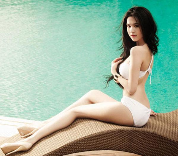 Ảnh gái xinh với bikini khoe bưởi 26
