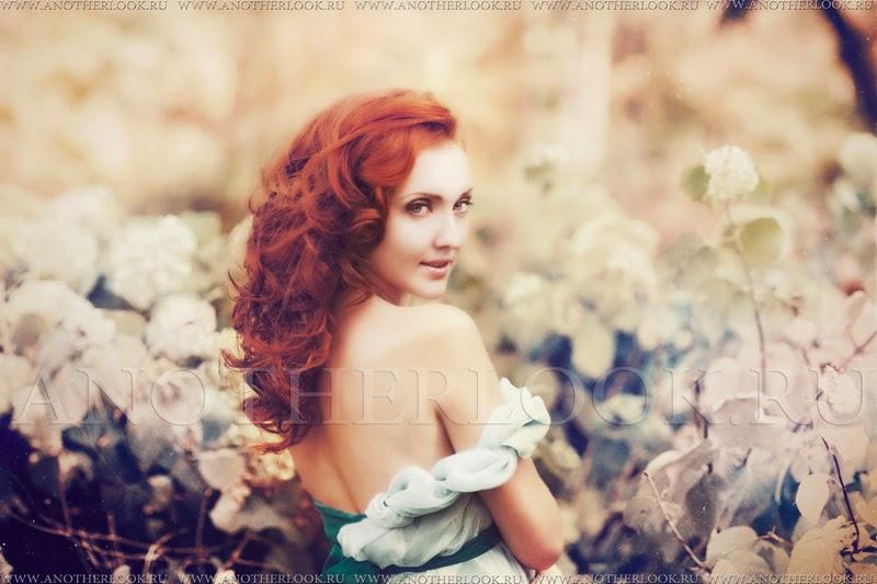 красиавя девушка с рыжими волосами