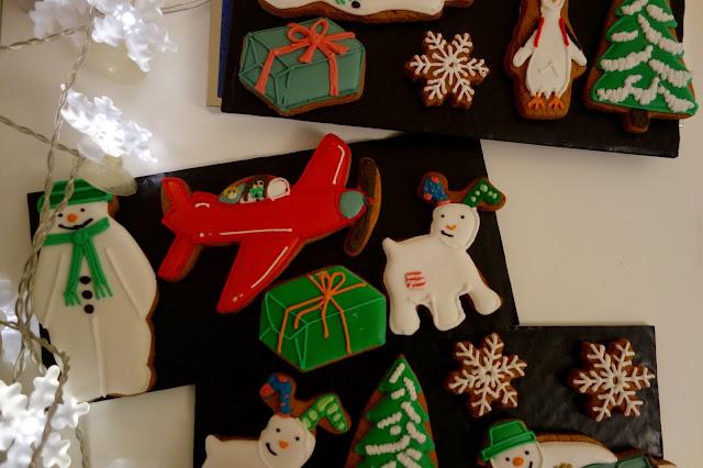 biscuiteers-snowman-christmas-tin