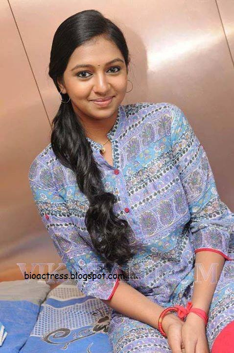 tamil actress kumki kuttipuli movie heroine lakshmi menon hot and sexy photoshoot