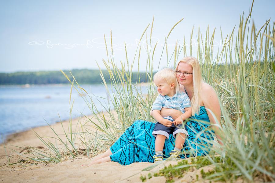 ema-laps-rannas-fotopesa