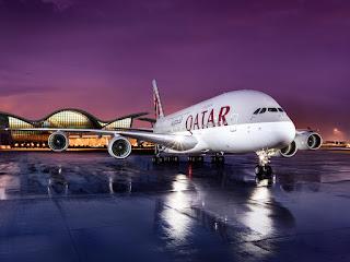 Máy bay Qatar Airways chuẩn bị cất cánh