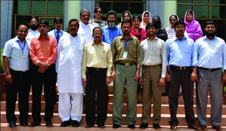 Islamia University Bahawalpur Girls http://jumbopublishing.blogspot.com/2012/06/dr-farzana-shafique-conducts-workshop.html