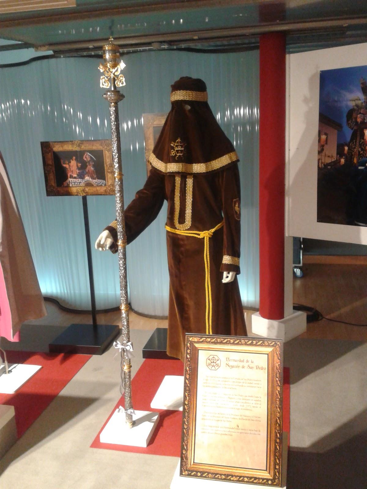 Túnica de nazareno Hermandad La Negación de San Pedro