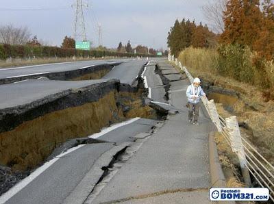 6 Hari Sahaja Masa Untuk Membaiki Jalan Raya Yang Rosak Akibat Gempa Bumi Di Jepun
