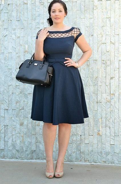 roupas da moda-vestido plus size-vestidos plus size-moda plus size-roupas plus size-moda plus size online-roupas plus size feminina-roupas femininas-modelo de vestido-vestidos casuais-vestidos da moda-dress-roupa social feminina-vestido acinturado