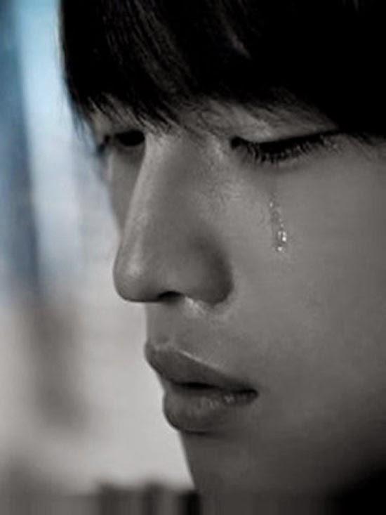 ảnh buồn cô đơn khóc