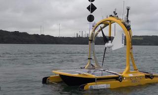 robot di bawah laut