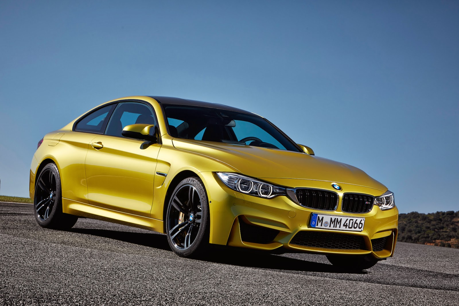 BMW M4 - 2 door coupe