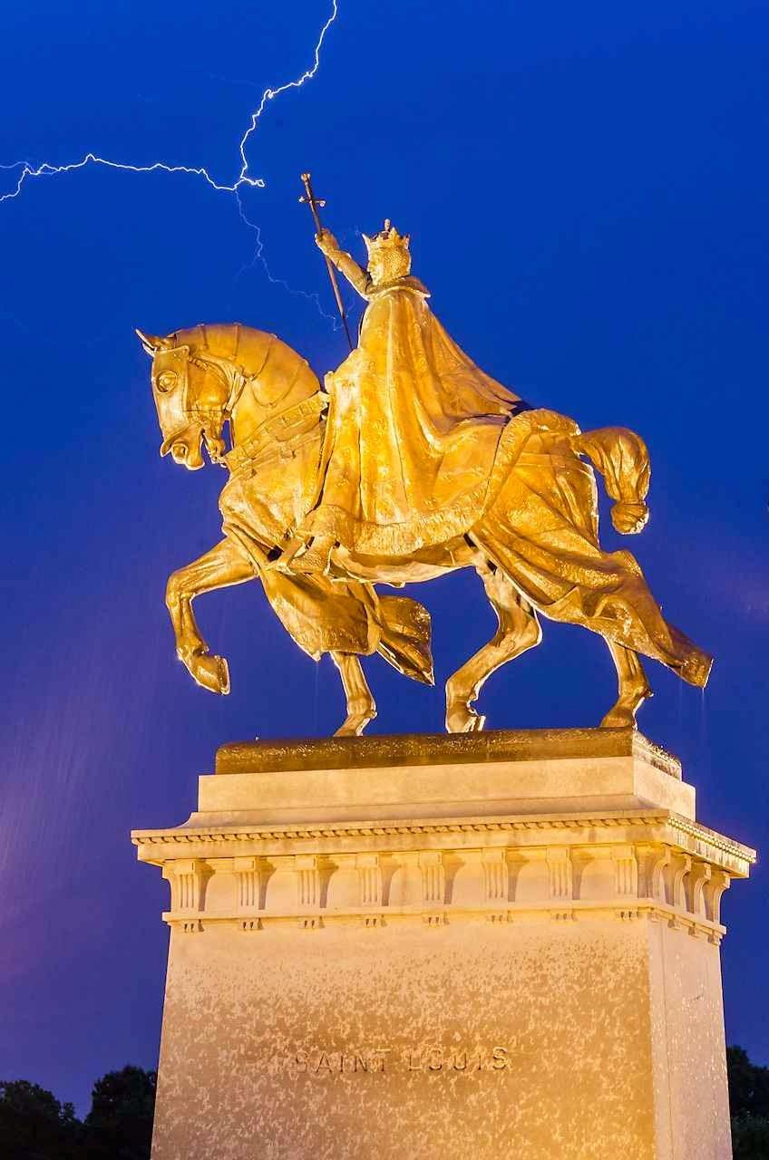San Luis, estatua en Saint Louis, Missouri, EEUU.