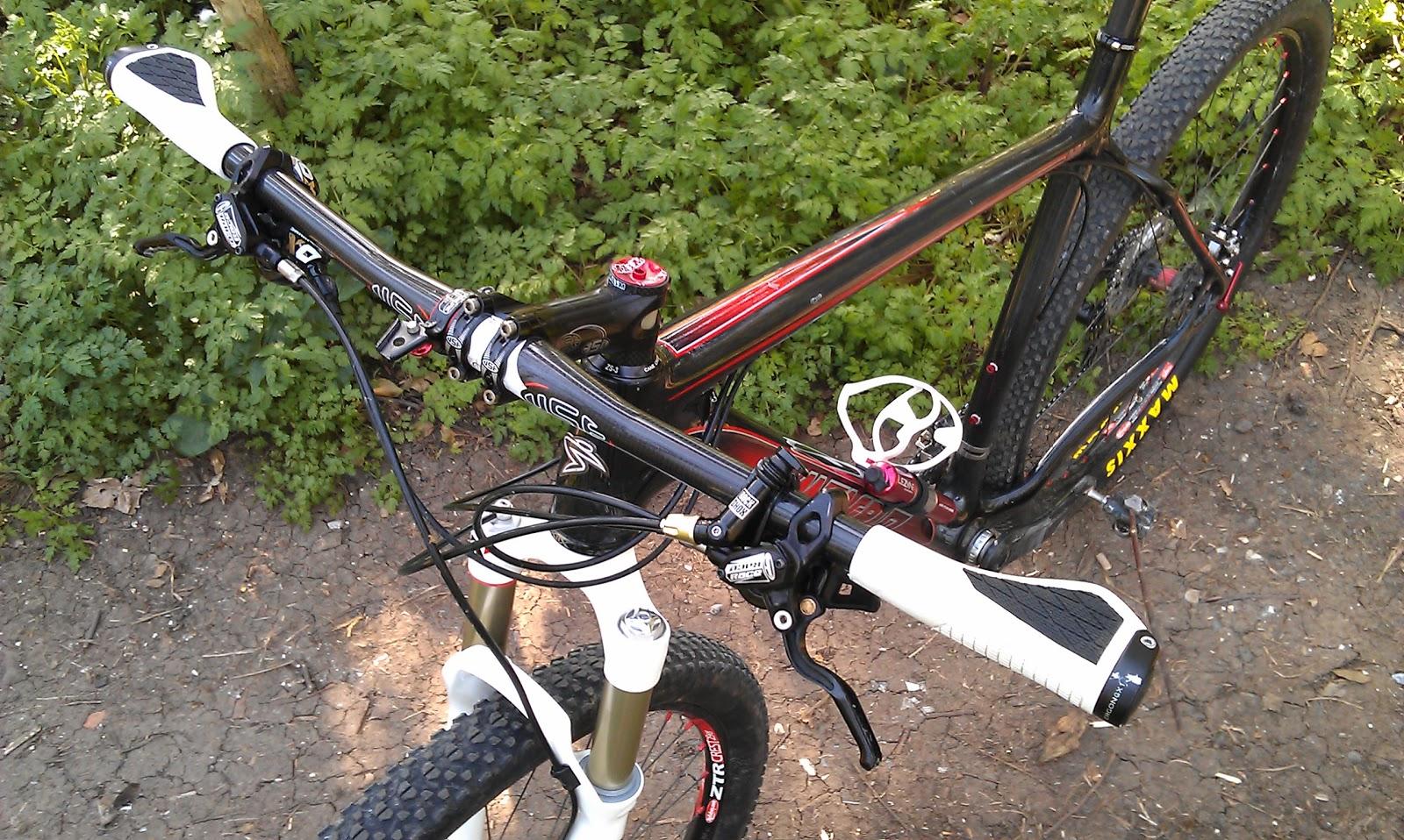Bigrobracingcouk 2012 Race Bike 2 Santa Cruz Highball Handlebar Set Raceface Carbon Next Flat Bar Wide Arent They Theyre Fun Too