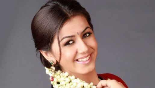 Nikki Galrani actress saree photos