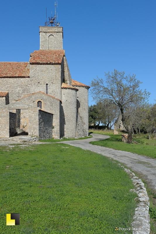 eglise romane de saint julien le montagnier photo pascal blachier