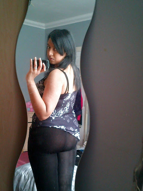 desi girl exposed her naked gaand short skirt images   nudesibhabhi.com