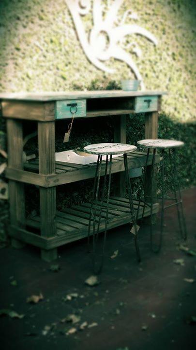Desayunadores o mesas auxiliares estilo rústico para la cocina ...