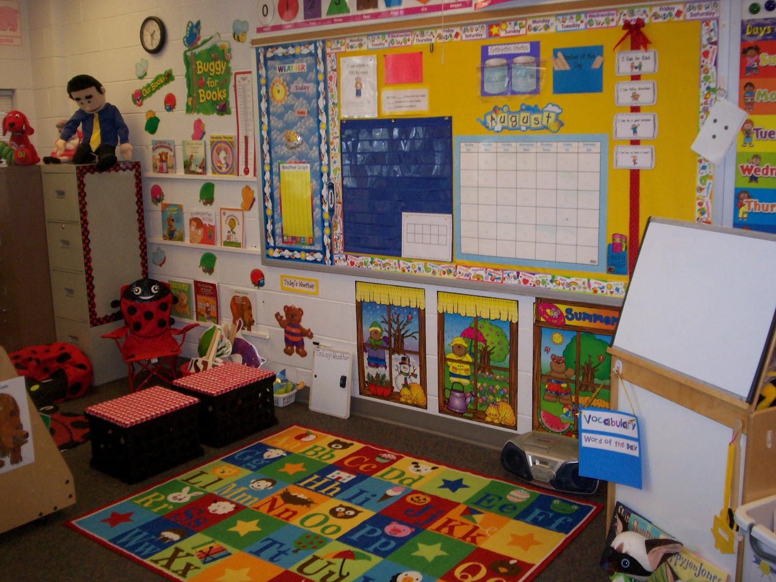 Classroom Ideas And Activities : Ladybug in kindergarten classroom set up