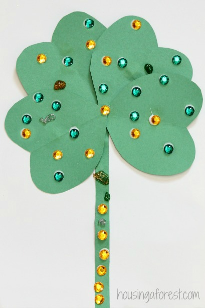 http://www.housingaforest.com/st-patricks-day-activity-heart-shamrock-craft/