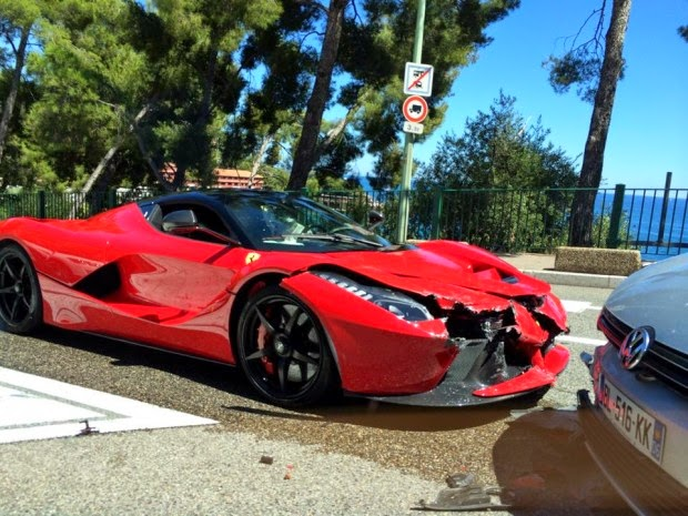 Ferrari LaFerrari incidente crash