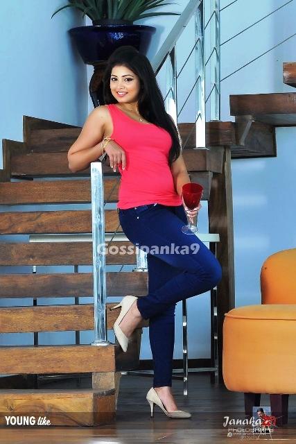 hashini blue jins hot photos