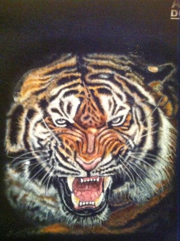 photo(11) tuto et pas a pas tigre sur teeshirt peinture aérographe