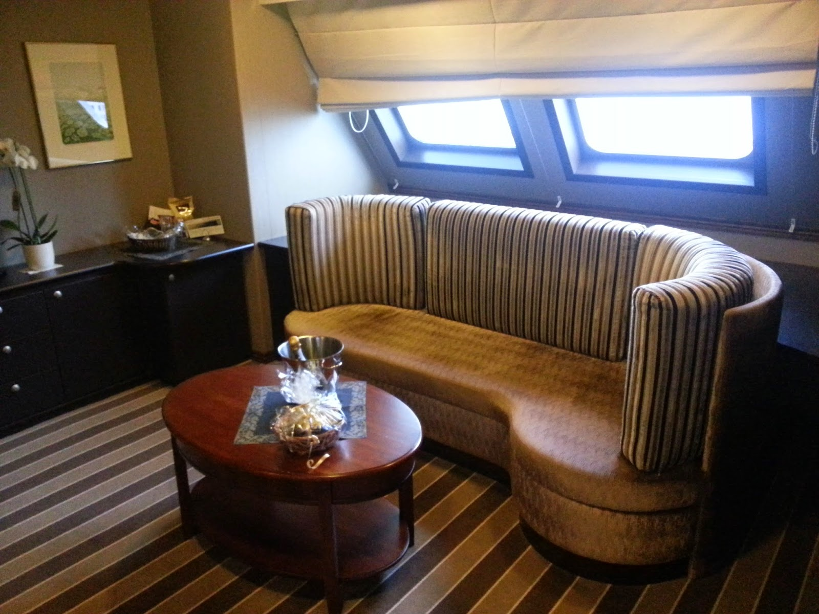 Hurtigruten MS Richard With - Suite Category M