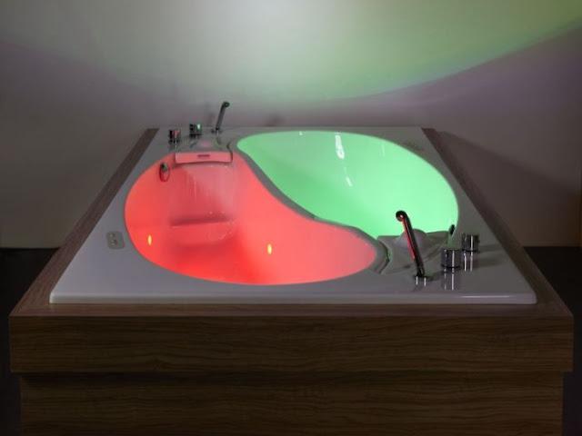 Yin Yang Couple Bath