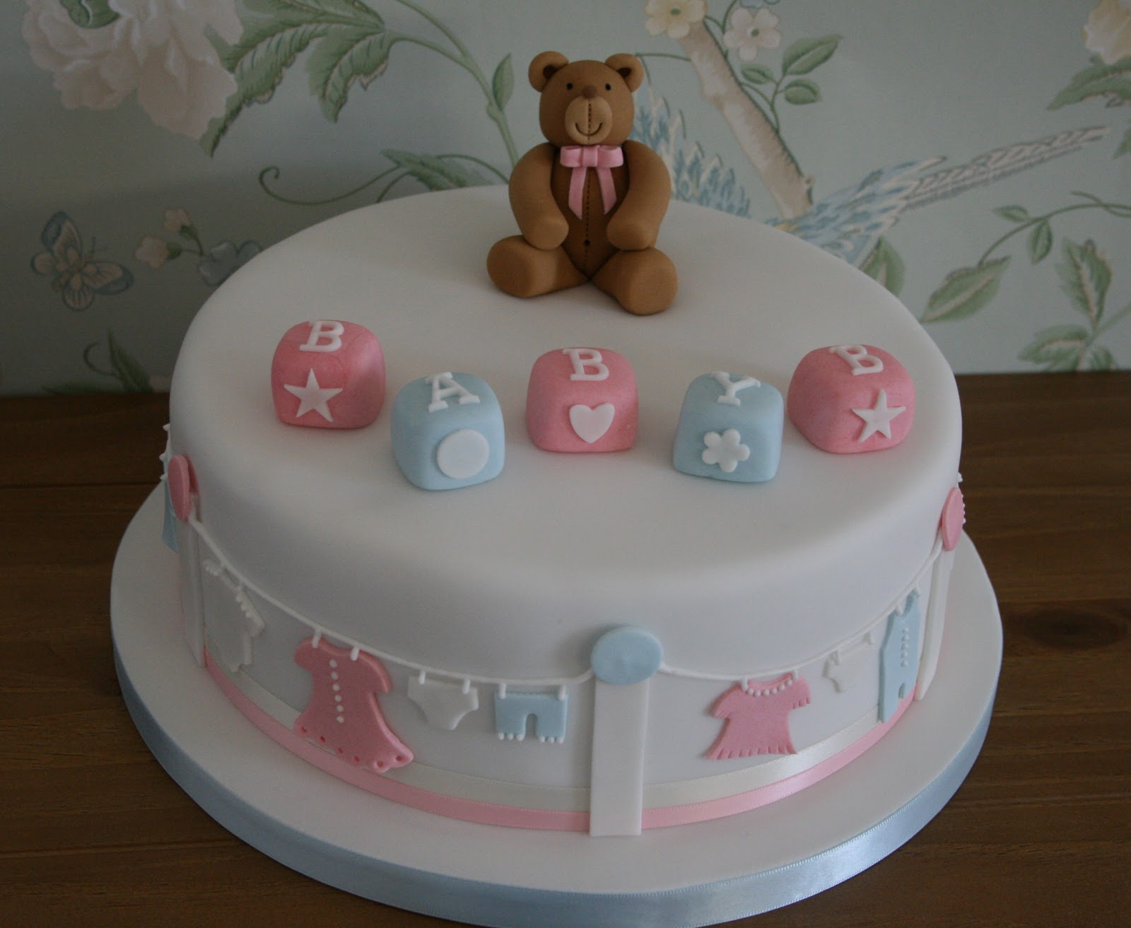 Lauralovescakes baby shower cake for Baby cakes decoration ideas