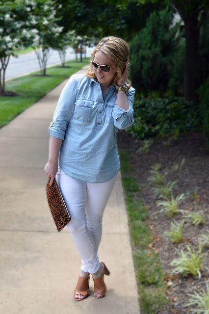 chambray-white-jeans-outfit