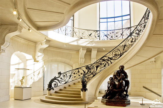 Elegant Luxury Interior Design Staircase To Large Sized House
