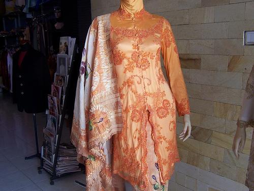 Model Kebaya Modern Muslim 2011 Terbaru Desain Baju Pakaian Kebaya