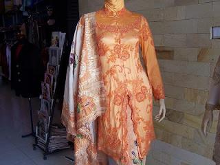 Desain Model Kebaya Modern Muslim Terbaru 2011