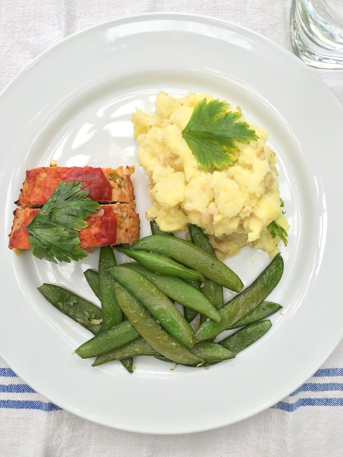 Blue apron questions - Blue Apron Offers Two Types Of Meal Plans The Two Person Or The Family Plan I Chose The Family Plan Which Was Plenty For The Three Of Us With Leftovers