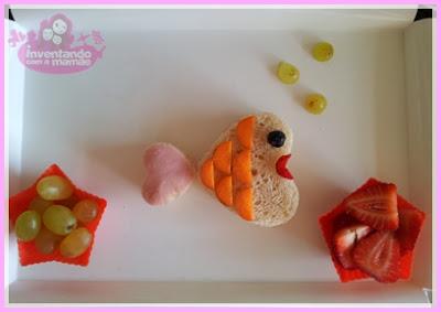 sanduíche de peixe em formato de coração