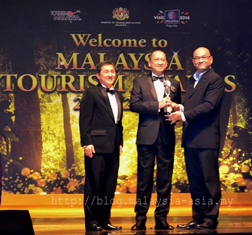 David Hogan Jr receives Tourism Malaysia Award