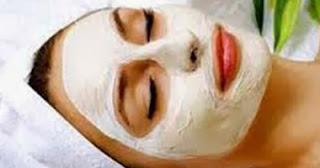 ماسك التقشير للحصول على بشرة بيضاء ومتألقة طوال الوقت - قناع الزبادى
