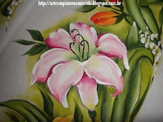pintura em tecido oxford lírios