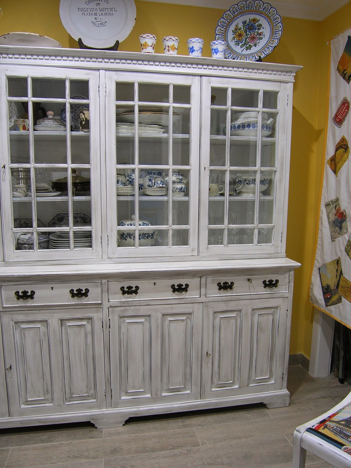 Restauraci n de mueble antiguo en valencia reciclado de muebles - Muebles antiguos valencia ...