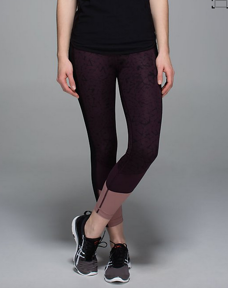 http://www.anrdoezrs.net/links/7680158/type/dlg/http://shop.lululemon.com/products/clothes-accessories/pants-run/Trail-Bound-7-8-Tight-Full-On-Lux?cc=17572&skuId=3595632&catId=pants-run