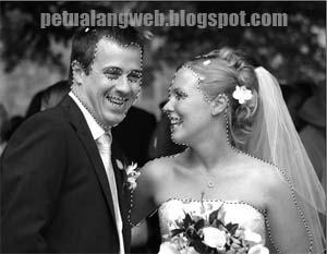 cara edit foto prewedding hitam putih menjadi berwarna