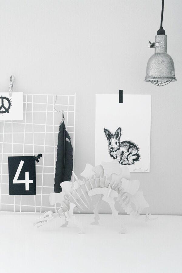 dinosaur, teknikmagasinet, loppis, fynd, konsttryck, kanin, kaniner, poster, posters, print, prints, artprints, artprint, svart och vitt, svartvit, svartvita, plakater, plakat, webbutik, webbutiker, webshop, inredning, inredningsbutik, butiker, annelies design, ateljé, svartvita vykort, siffra, siffror, tavla, tavlor, grafiskt, grafiska,