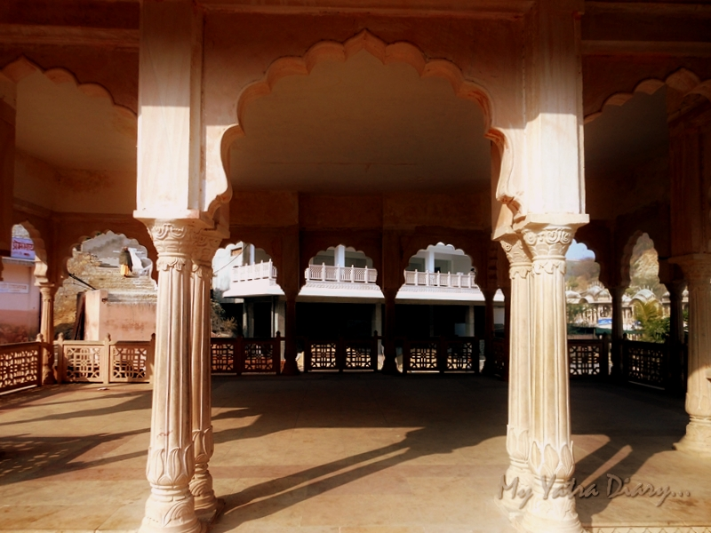 Magnificient arches at Khole Ke Hanuman Temple, Jaipur, Rajasthan